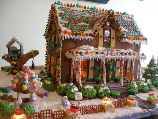 ... Gingerbread House by Ultimate Gingerbread / Gingerbread-By-Design